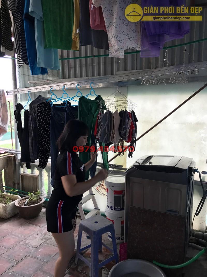 Lắp đặt giàn phơi thông minh cho trần mái tôn nhà chị Lan, Xuân Đỉnh-05