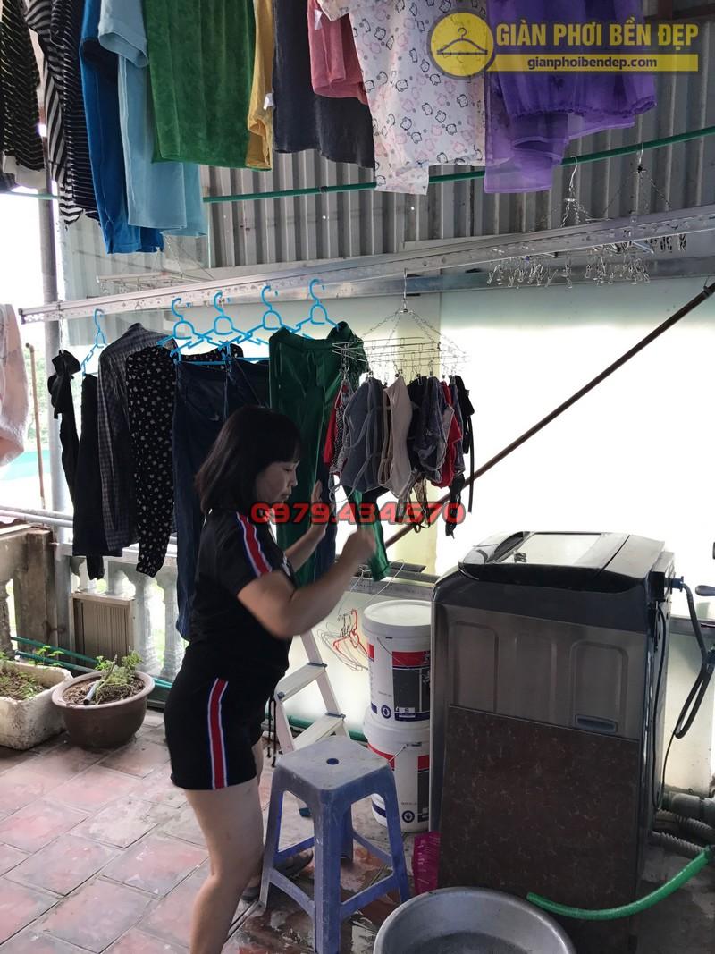 Lắp đặt giàn phơi thông minh cho trần mái tôn nhà chị Lan, Xuân Đỉnh-06