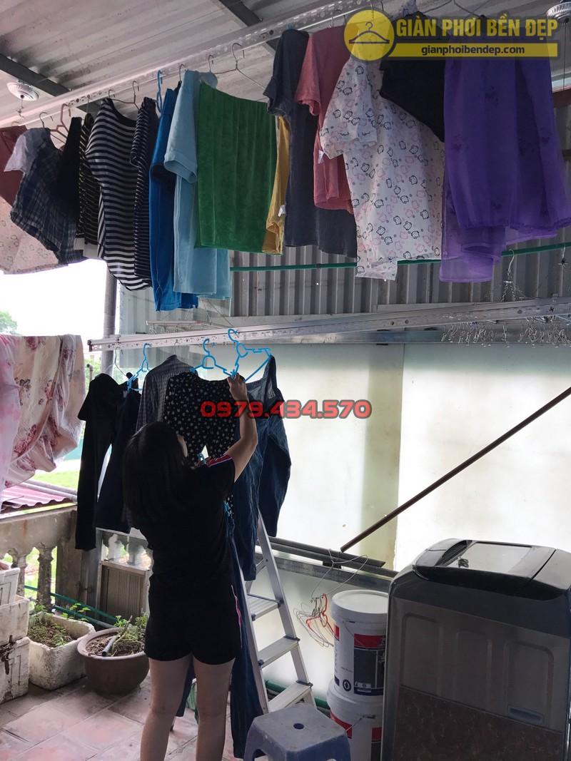 Lắp đặt giàn phơi thông minh cho trần mái tôn nhà chị Lan, Xuân Đỉnh-08