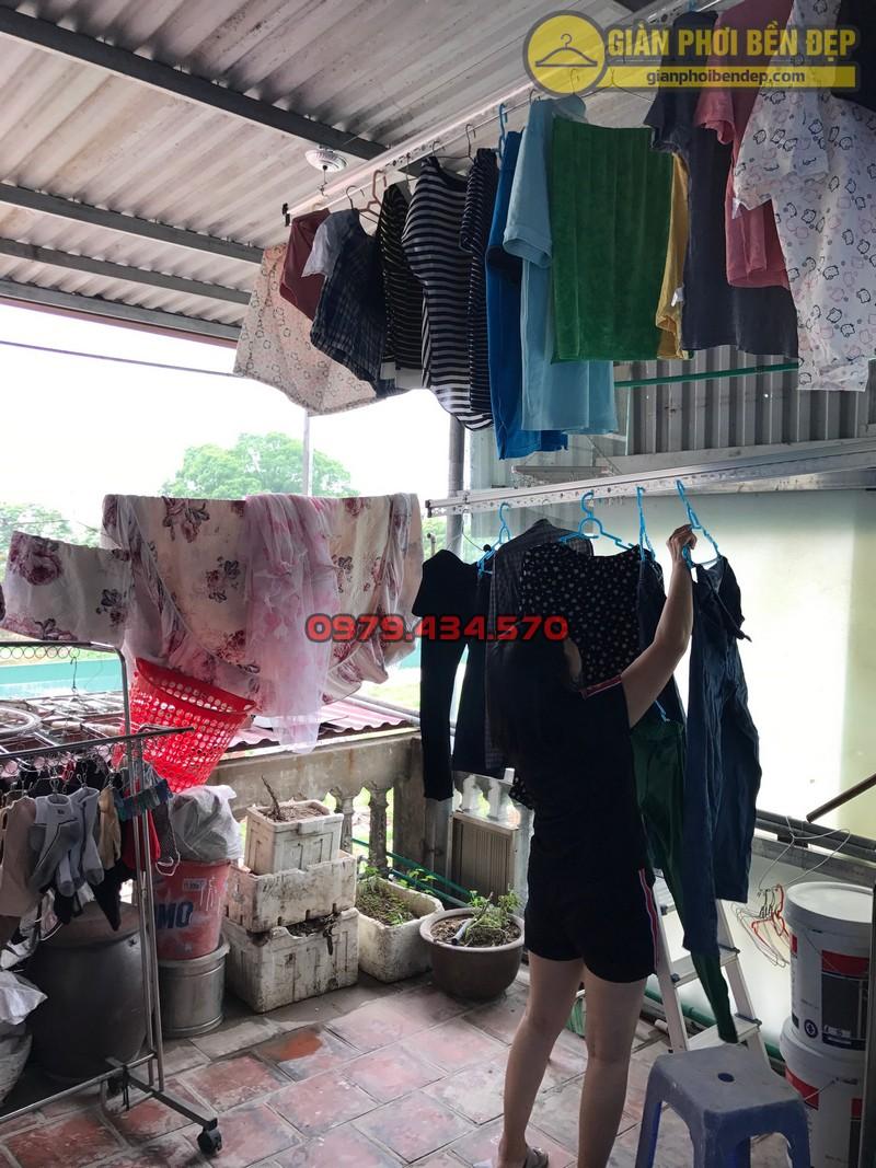 Lắp đặt giàn phơi thông minh cho trần mái tôn nhà chị Lan, Xuân Đỉnh-09