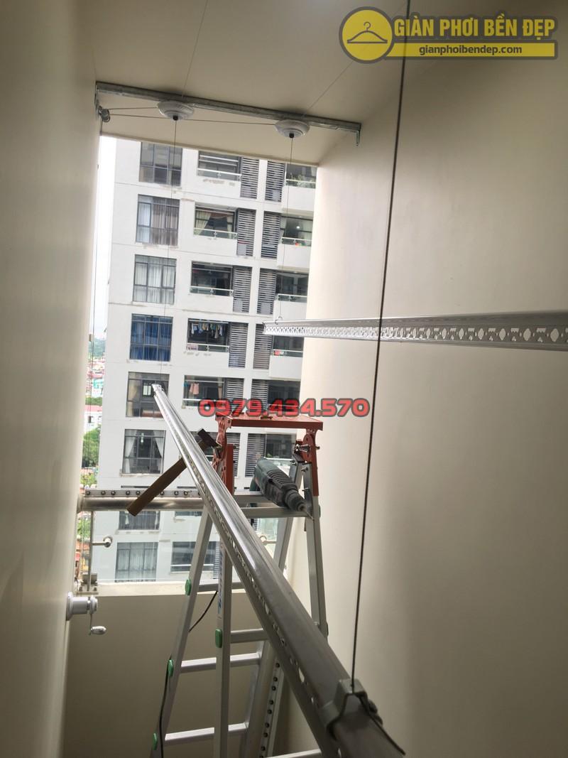 Lắp giàn phơi cho trần thạch cao nhà anh Phong chung cư Tràng An Complex-12