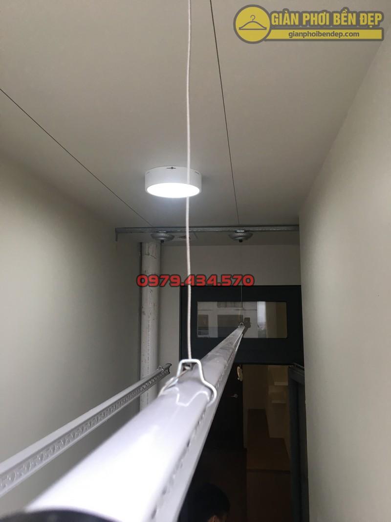 Lắp giàn phơi cho trần thạch cao nhà anh Phong chung cư Tràng An Complex-04