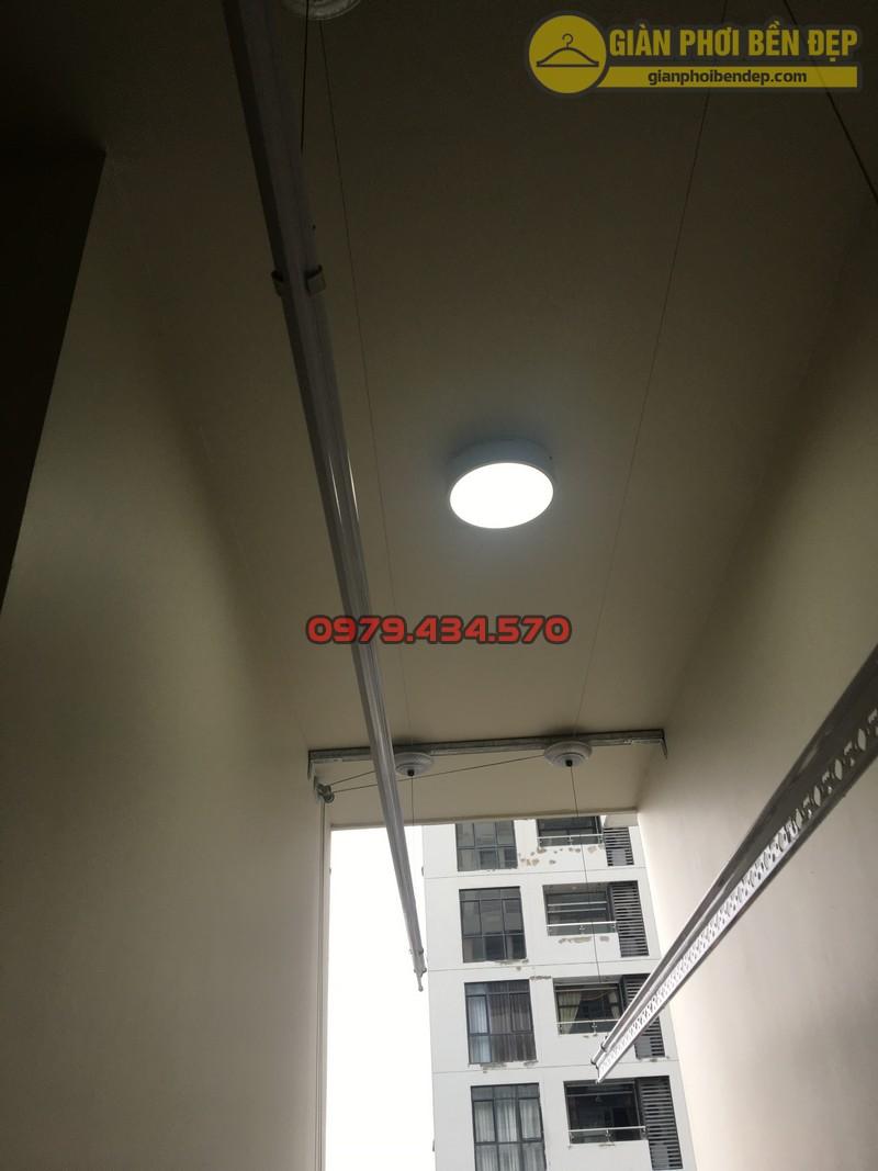Lắp giàn phơi cho trần thạch cao nhà anh Phong chung cư Tràng An Complex-05