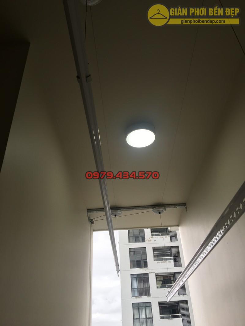 Lắp giàn phơi cho trần thạch cao nhà anh Phong chung cư Tràng An Complex-06