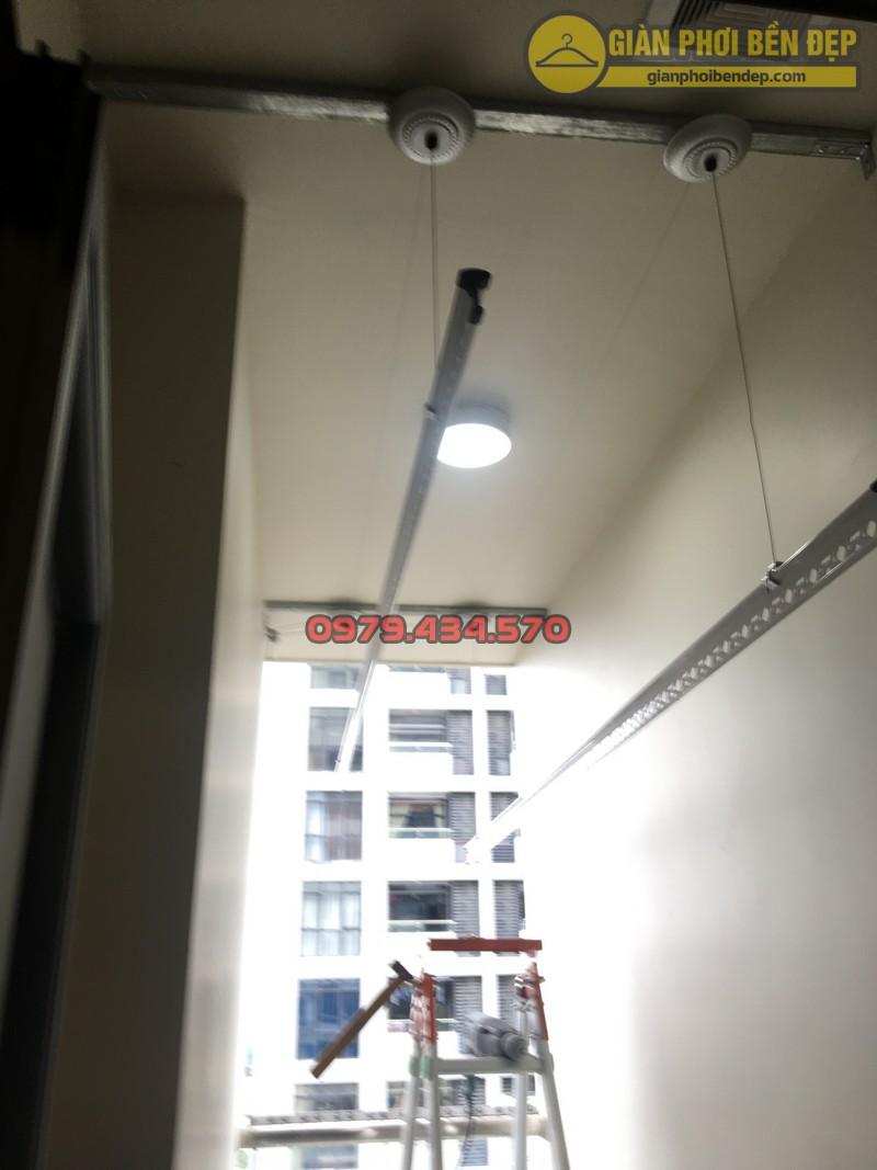 Lắp giàn phơi cho trần thạch cao nhà anh Phong chung cư Tràng An Complex-07
