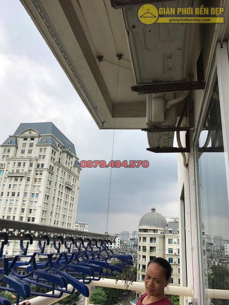 Sửa dây cáp giàn phơi nhà cô Xuyến tòa CT1-1, KĐT Mễ Trì Hạ-04