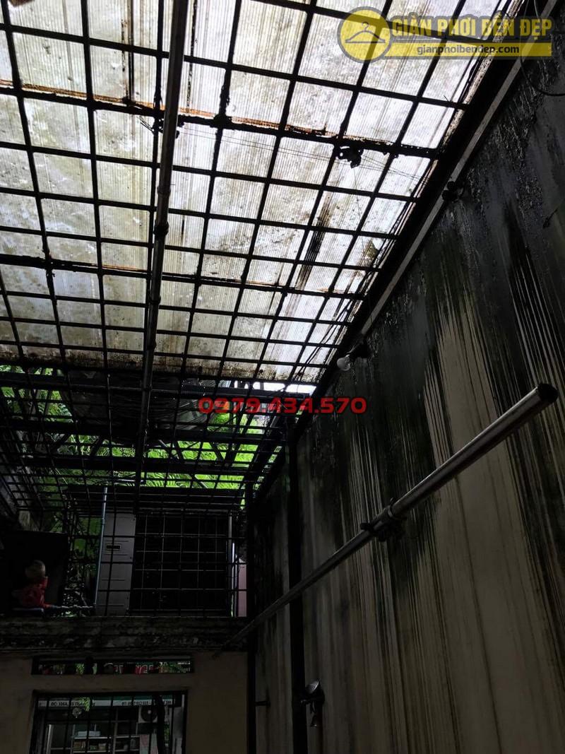 Sửa lỗi đứt dây cáp giàn phơi thông minh nhà cô Hồng khu B2A khu tập thể Thành Công-11
