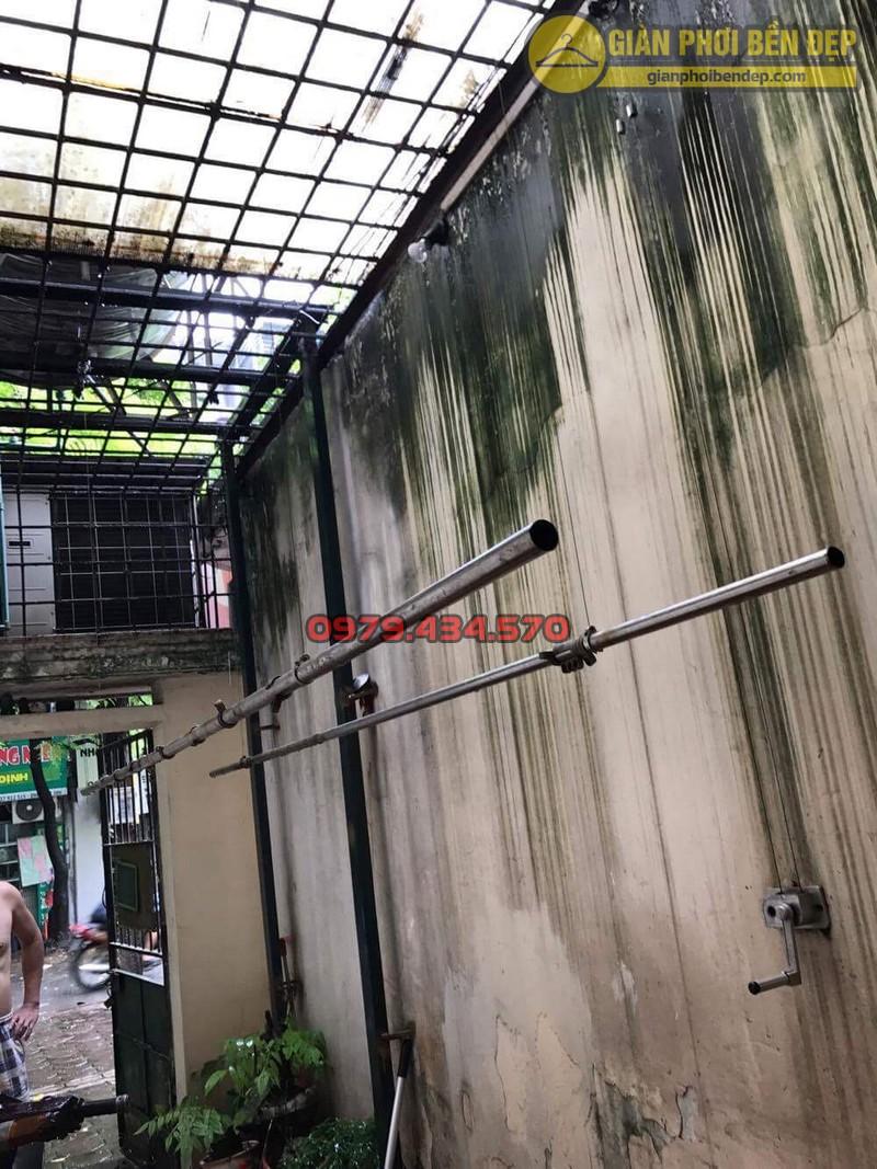 Sửa lỗi đứt dây cáp giàn phơi thông minh nhà cô Hồng khu B2A khu tập thể Thành Công-02