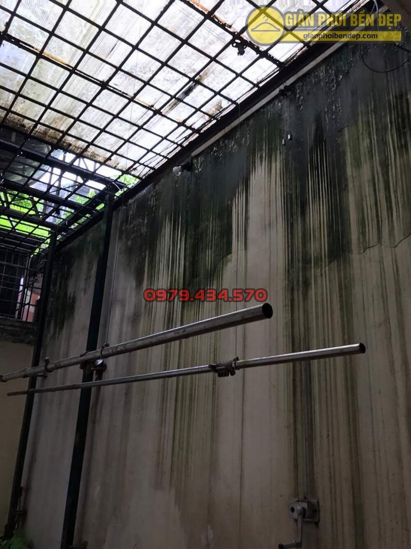 Sửa lỗi đứt dây cáp giàn phơi thông minh nhà cô Hồng khu B2A khu tập thể Thành Công-03