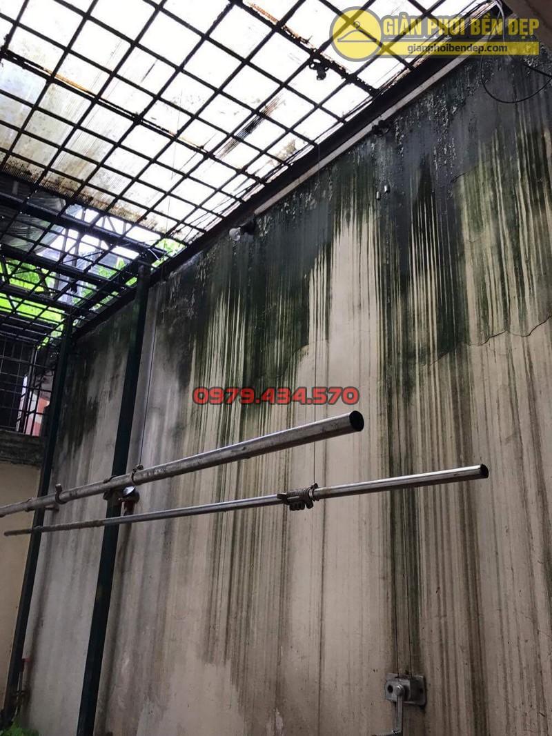 Sửa lỗi đứt dây cáp giàn phơi thông minh nhà cô Hồng khu B2A khu tập thể Thành Công-04