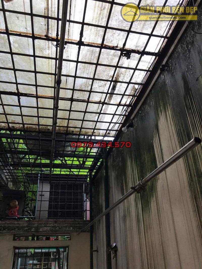 Sửa lỗi đứt dây cáp giàn phơi thông minh nhà cô Hồng khu B2A khu tập thể Thành Công-09