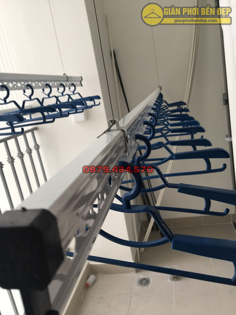 Lưới an toàn ban công kết hợp giàn phơi thông minh chung cư Park 8 -01