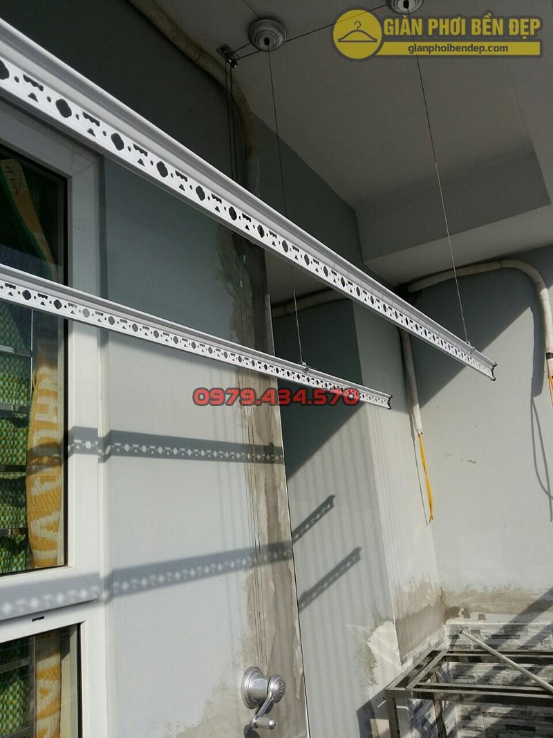 Lắp đặt bộ giàn phơi Duy Lợi tại ban công nhà cô Thảo, tòa A14A1 Nam Trung Yên