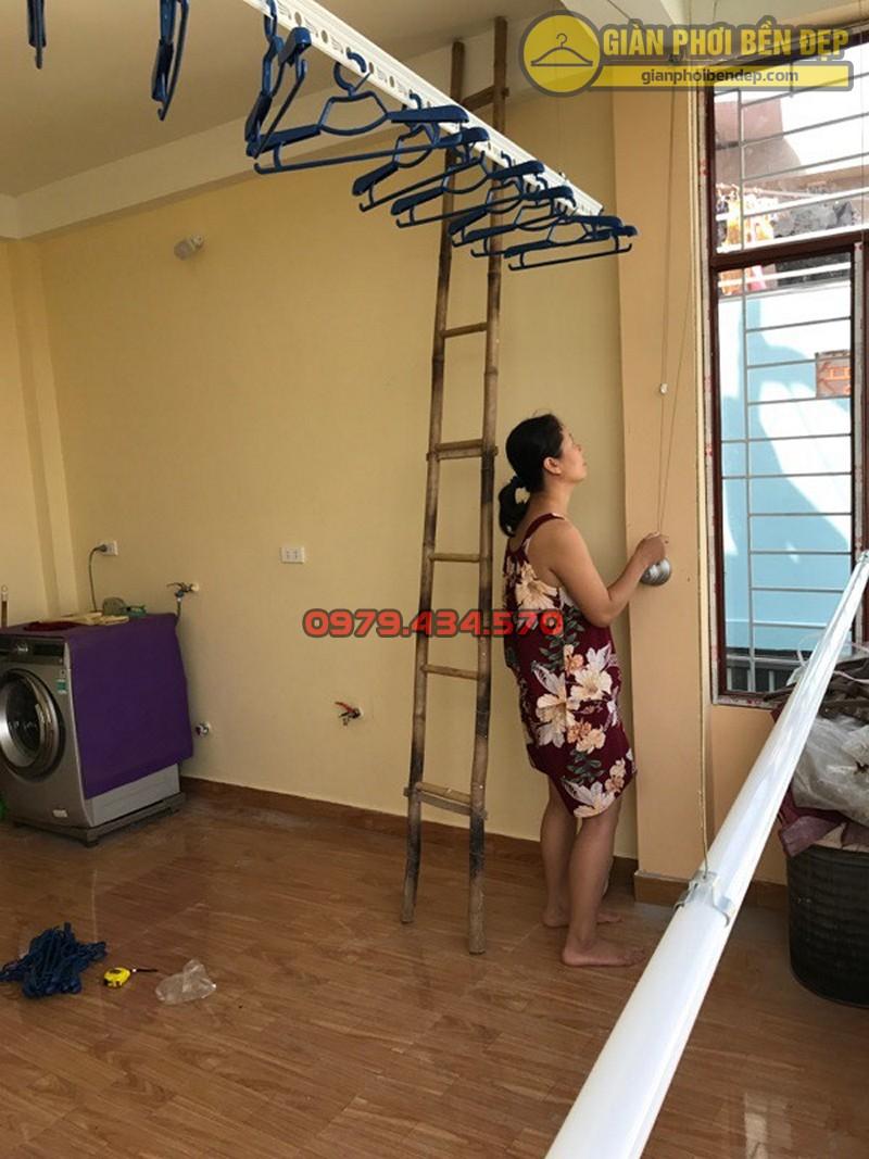 Lắp bộ giàn phơi Hòa Phát Star cao cấp nhà cô Hiền, ngõ 37 Đại Đồng