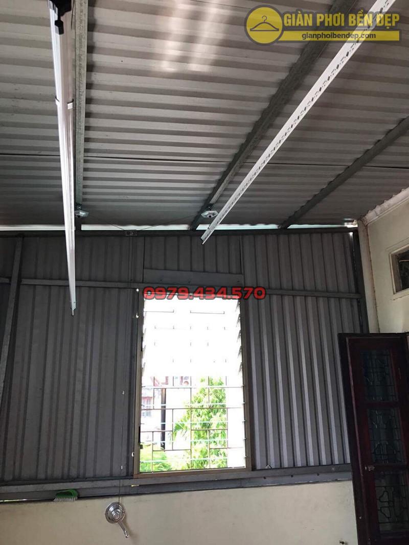 Lắp bộ giàn phơi thông minh KS990 tại trần mái tôn nhà chị Thủy, ngõ 254 đường Bưởi
