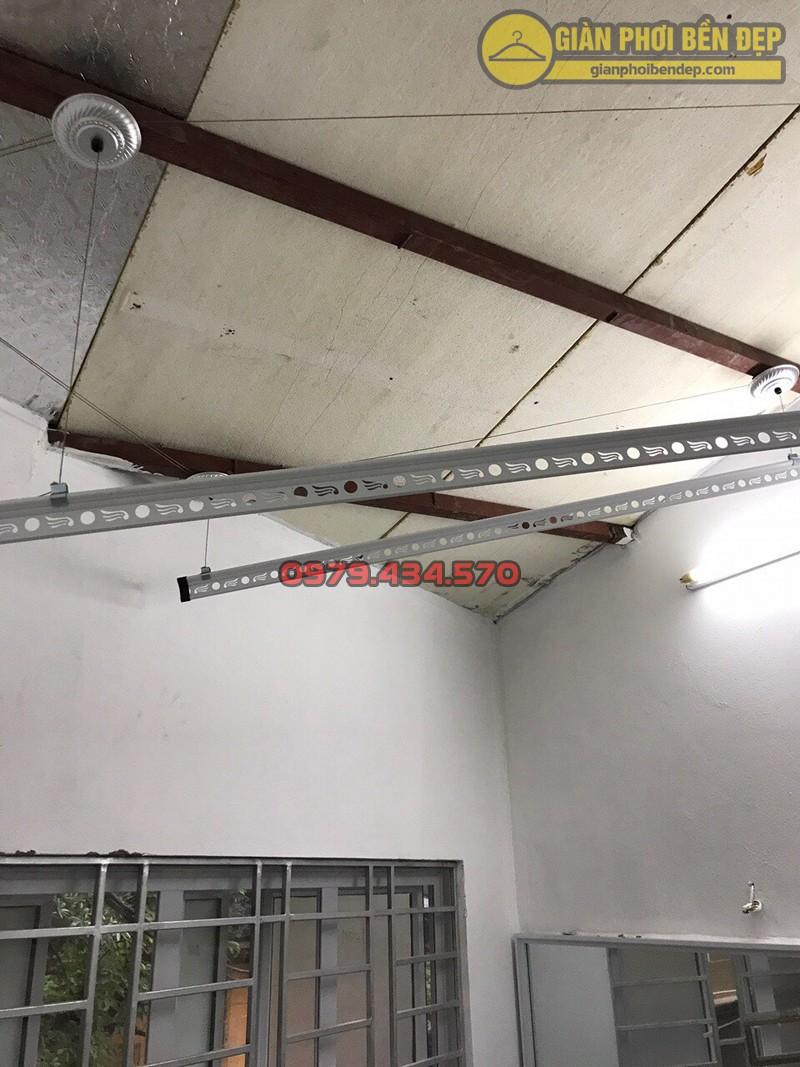 Lắp giàn phơi thông minh ở trần nhựa nhà cô Trâm ngõ 255 Lĩnh Nam