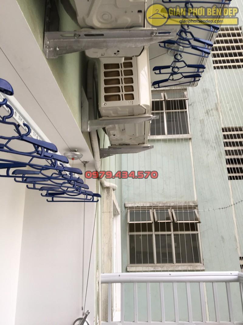 Lắp giàn phơi thông minh tại ban công có 2 cục nóng điều hòa nhà anh Lâm, N4A Trung Hòa
