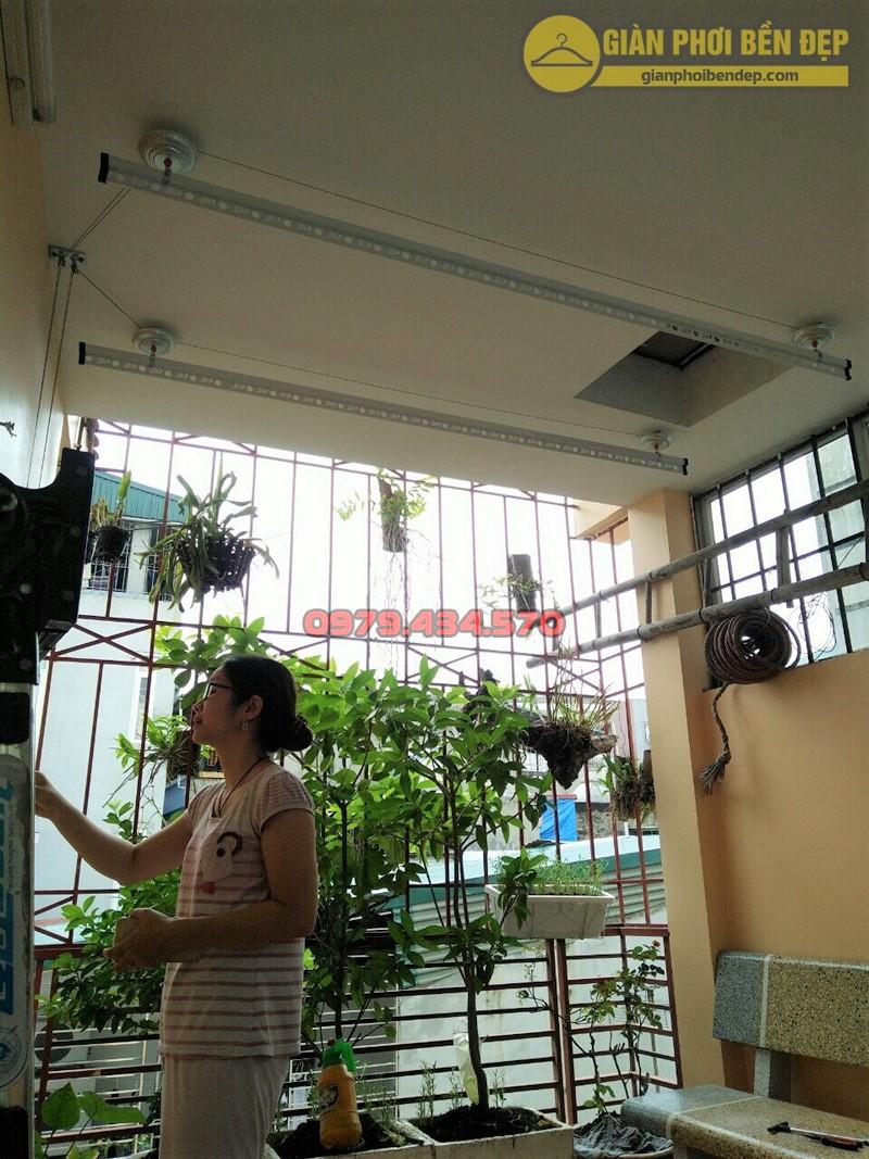Sân phơi gọn gàng nhờ lắp đặt giàn phơi thông minh nhà chị Thảo, ngõ 191 Minh Khai