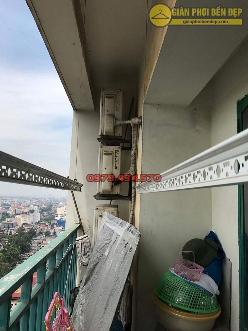 Gia cố linh kiện bộ giàn phơi Duy Lợi nhà cô Hồng, chung cư Xuân Mai Complex