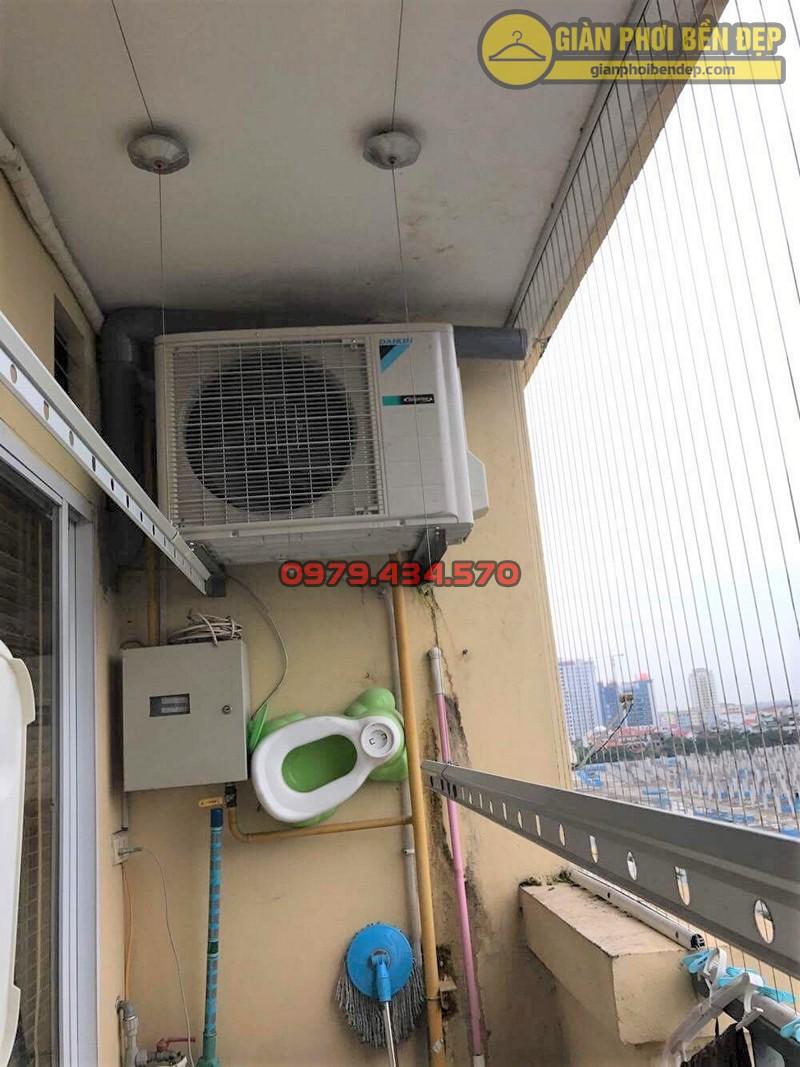 Lắp bộ giàn phơi Hòa Phát 888B giá rẻ nhà cô Định, tòa B Hòa Bình Green City
