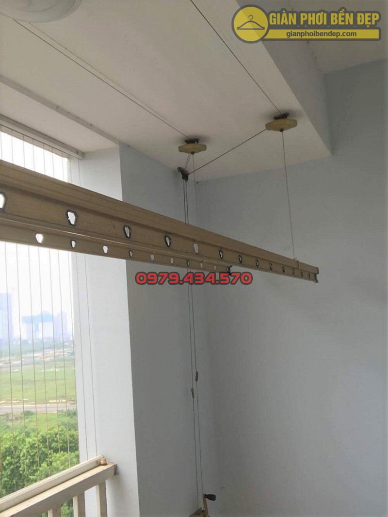 Sửa giàn phơi thông minh Hòa Phát Air bị lỏng phụ kiện nhà cô Thảo, Đại Mỗ Từ Liêm