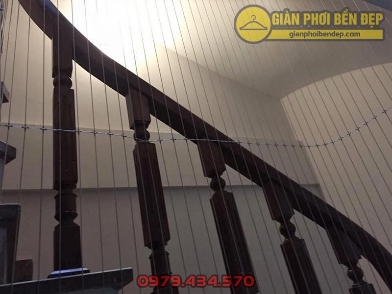 Làm lưới an toàn cầu thang cho nhà chị Hạnh ở ngõ 200 Hồ Tùng Mậu