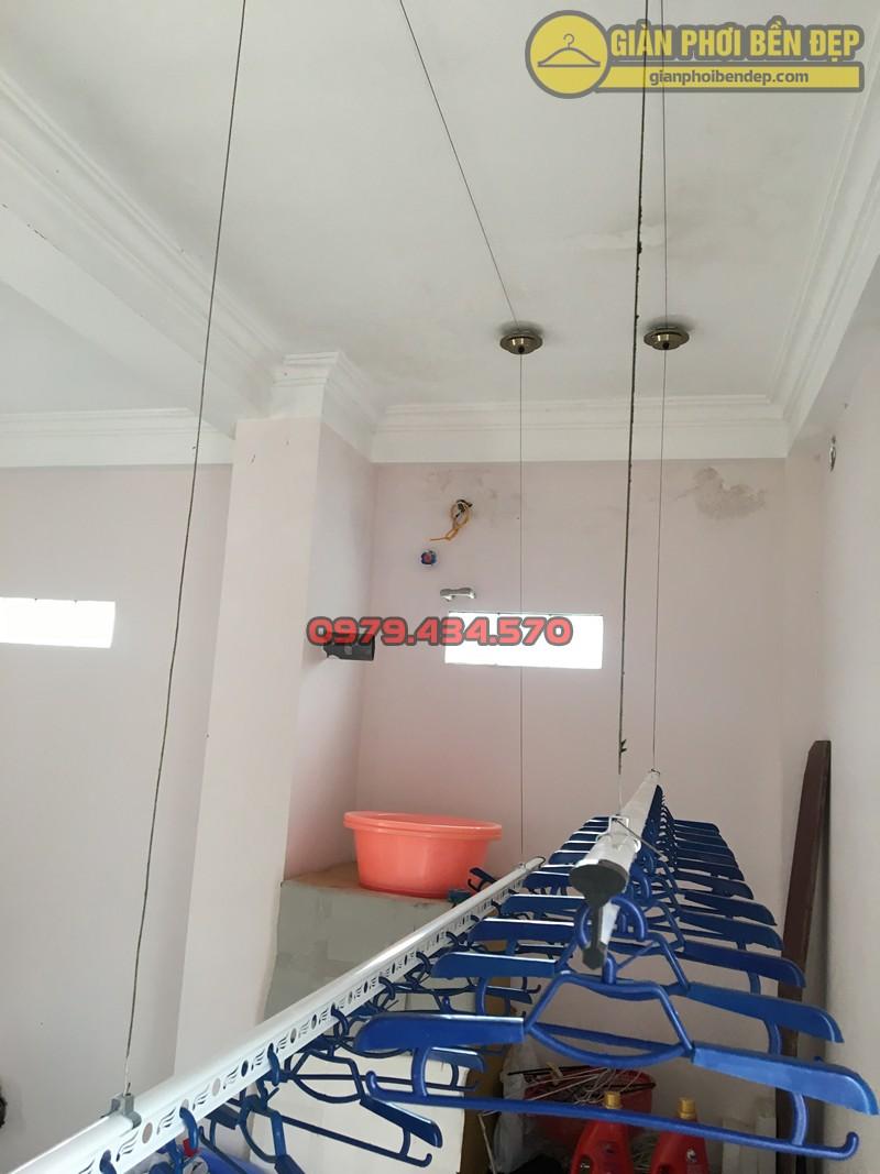 Lắp giàn phơi Cầu Giấy nhà cô Thịnh ở ngõ 175 Lạc Long Quân