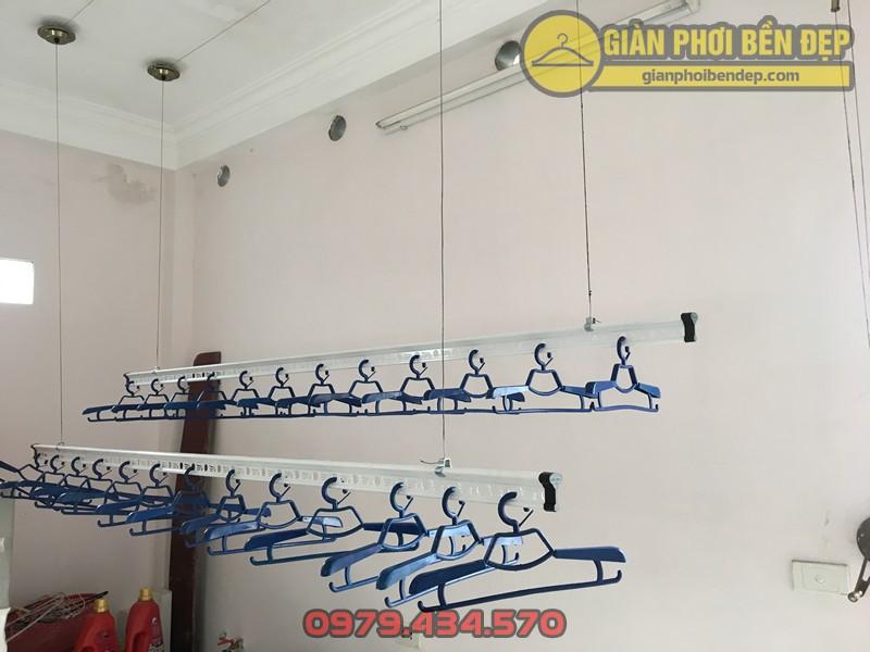Lắp giàn phơi Cầu Giấy nhà cô Thịnh ở ngõ 175 Lạc Long Quân, giàn phơi Hòa Phát