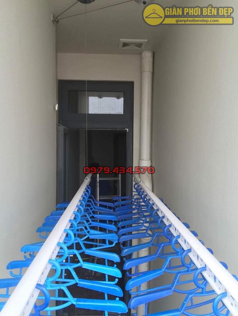Lắp giàn phơi Cầu Giấy tại Tràng An Complex tòa CT2 nhà cô Hảo, bộ giàn phơi Hòa Phát