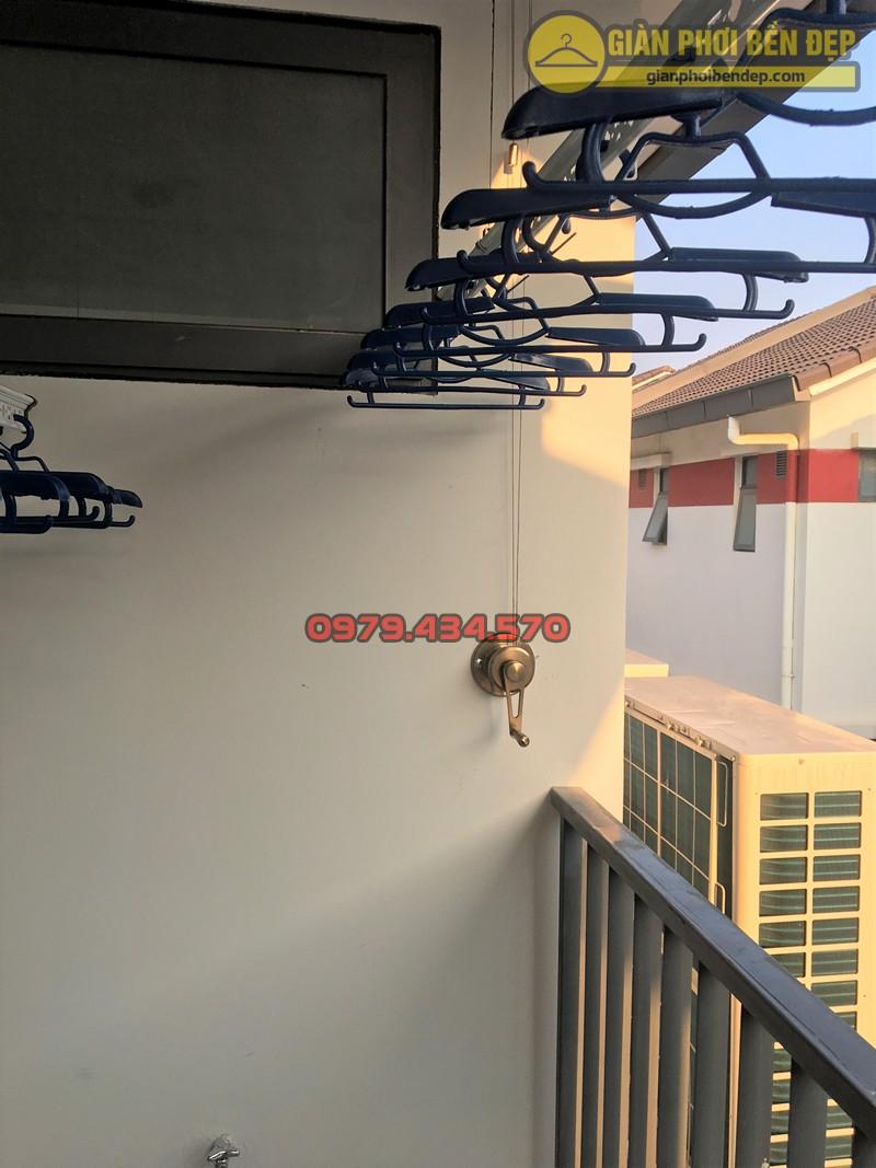 Lắp giàn phơi Hoàng Mai ở KĐT Gamuda Garden nhà anh Vĩnh