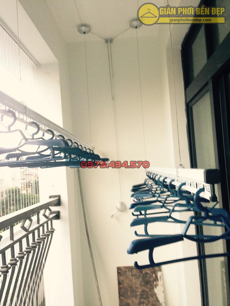 Lắp giàn phơi Thanh Xuân nhà cô Tịnh ở tòa R2 Royal City
