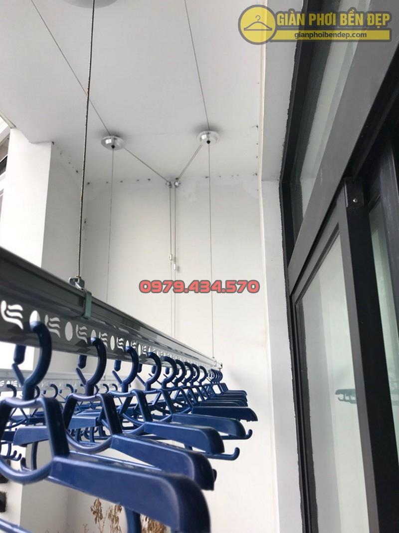 Lắp giàn phơi Thanh Xuân ở tòa R4 chung cư Royal City nhà chị Hiền