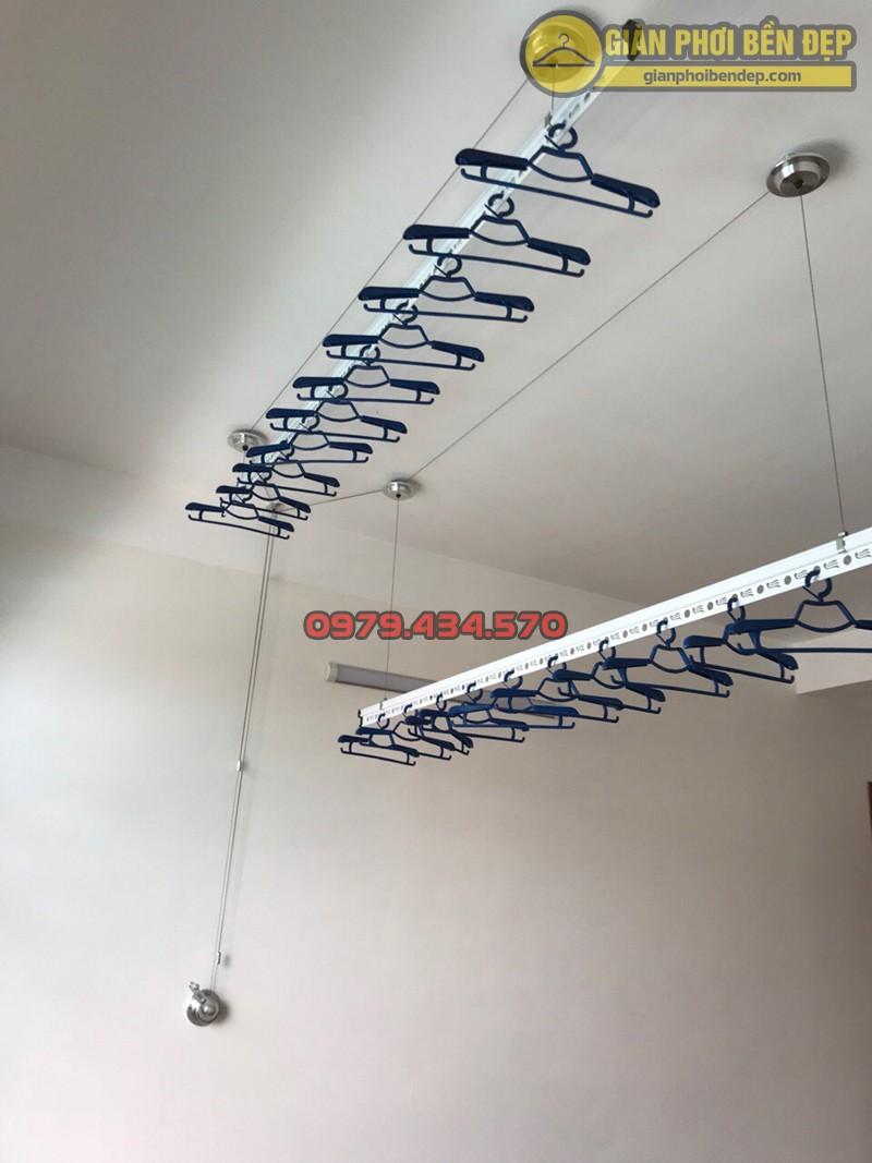 Lắp giàn phơi Hòa Phát nhà chị Nhung ở ngõ 462 đường Bưởi