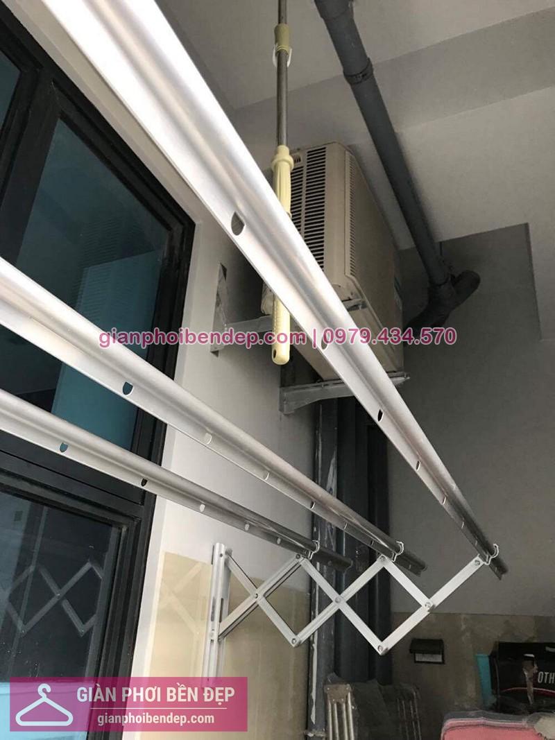 Lắp giàn phơi gắn tường nhà chị Trang ở ngõ 200 Hồ Tùng Mậu, Cầu Giấy