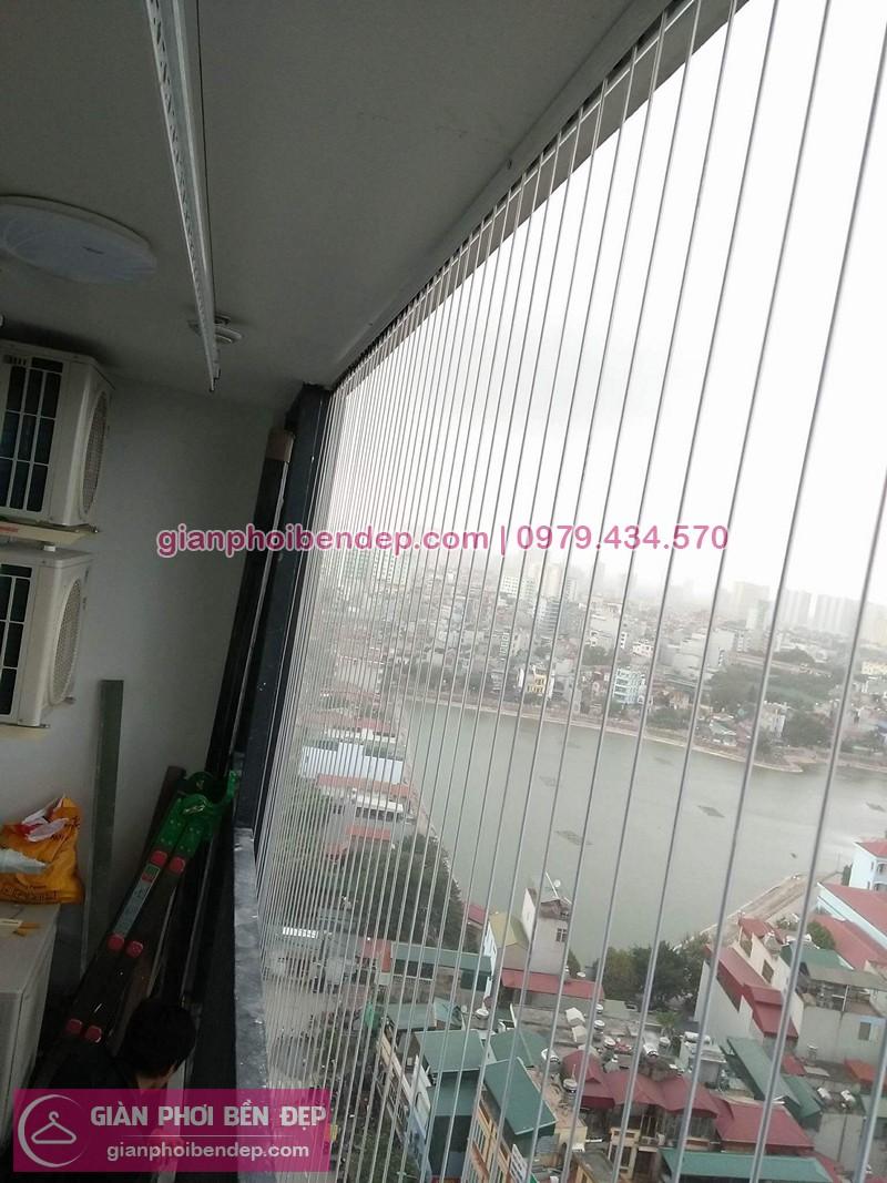 Lắp giàn phơi Thanh Xuân và lắp lưới an toàn nhà chị Miền ở chung cư Five Star số 2 Kim Giang